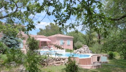 Gareoult - Provencal villaQuiet and private setting,for sale Var
